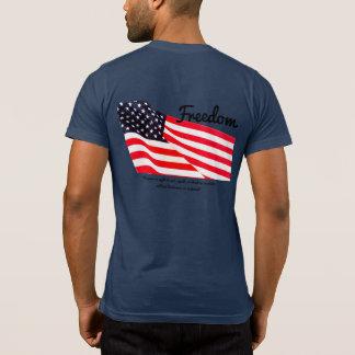 T-shirt de poche de drapeau de la liberté des