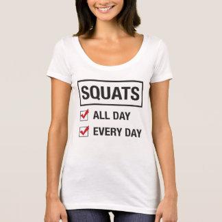 T-shirt De postures accroupies pièce en t toute la journée