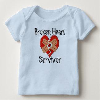 T-shirt de recouvrement de survivant du coeur