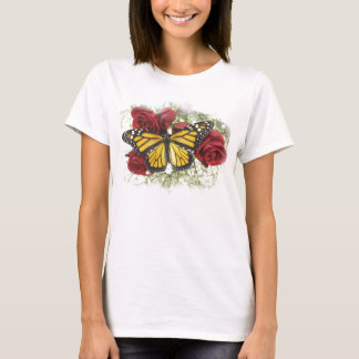 T-shirt de rose rouge de papillon de monarque