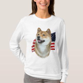 T-shirt de Shiba Inu et de drapeau