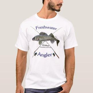 T-shirt d'eau douce de pêche de pêcheur à la