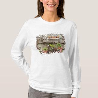 T-shirt Décorations sur la barrière en bois, île de