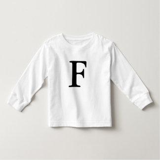 T-shirt décoré d'un monogramme initial de la