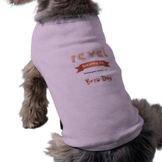 T-shirt délectez-vous le chien de brew de fille de Sadie d