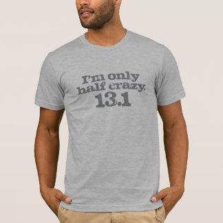 T-shirt Demi de gris à moitié fou de marathon