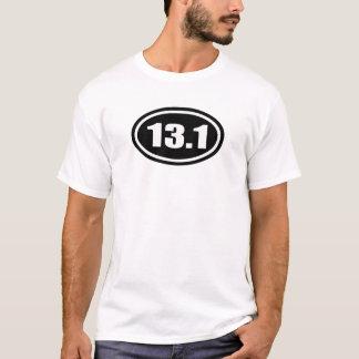 T-shirt Demi d'ovale de marathon du noir 13,1