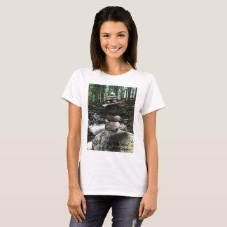 T-shirt d'équilibre de roche - fermes de colline