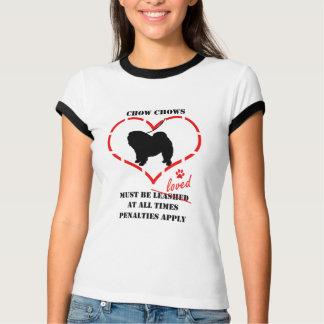T-shirt Des bouffes de bouffe doivent être aimées