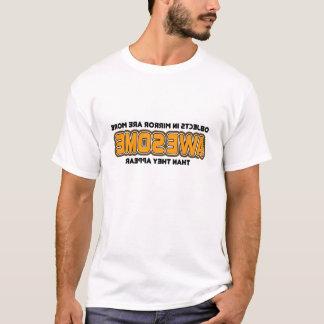 T-shirt Des objets dans le miroir plus impressionnant