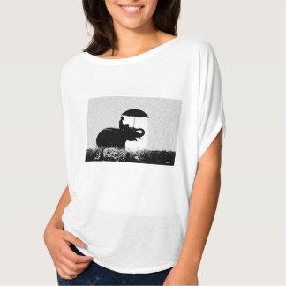 T-shirt Dessus de cercle de Flowy d'art de pluie