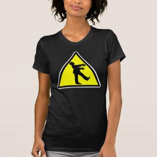 T-shirt détruit par croisement de zombi