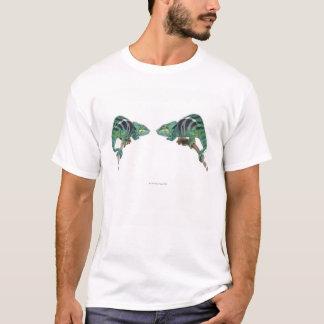 T-shirt Deux caméléons de panthère fouineurs soient