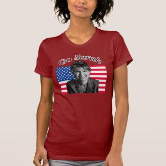 T-shirt disparaissent la chemise de Sarah