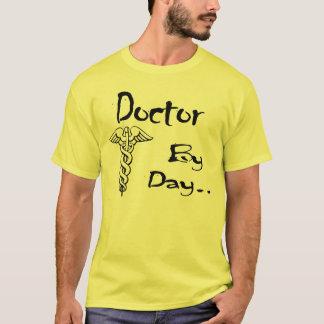 T-shirt Docteur par jour… Chemise