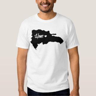 T-shirt dominicain à la maison