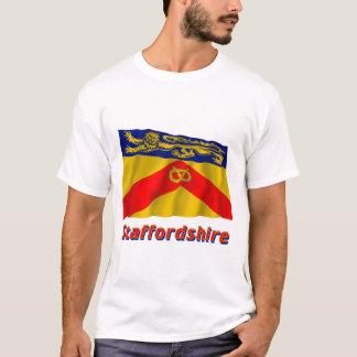 T-shirt Drapeau de ondulation du Staffordshire avec le nom