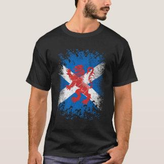 T-shirt Drapeau effréné et écossais de lion rouge