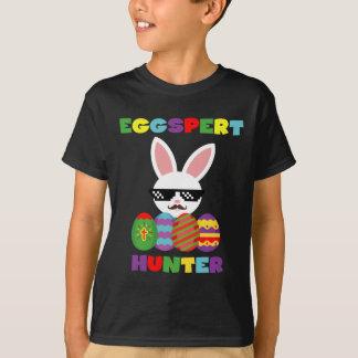T-shirt drôle d'enfants de chasseurs d'oeufs de