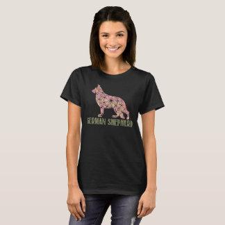 T-shirt du berger allemand GSD de mandala