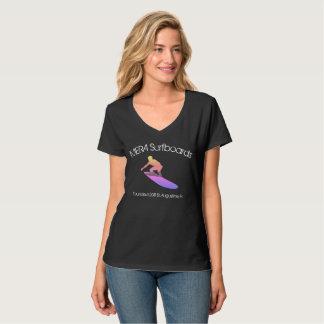 T-shirt du V-cou des femmes de planches de surf de
