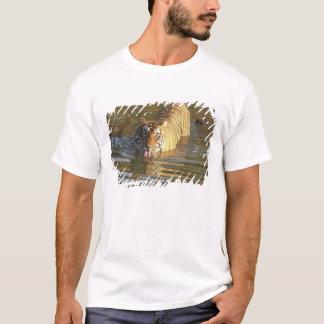 T-shirt Eau potable royale de tigre de Bengale,