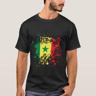 T-shirt Éclaboussure d'encre de drapeau du Sénégal