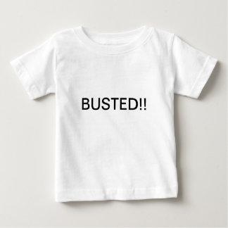T-shirt éclaté par bébé