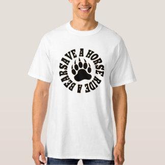 T-shirt Économies gaies de fierté d'ours un tour de cheval