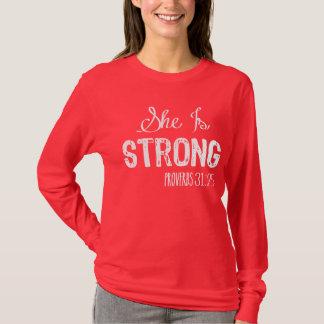 T-shirt Elle est la chemise des femmes chrétiennes fortes