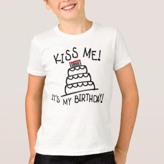 T-shirt Embrassez-moi ! C'est mon anniversaire ! Avec le