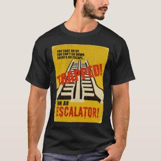 T-shirt Emprisonné sur un escalator