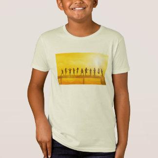 T-Shirt Enfants heureux et amitié dans le concept d'école