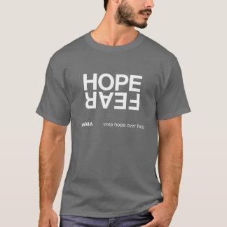T-shirt Espoir au-dessus de la crainte (chemise foncée)
