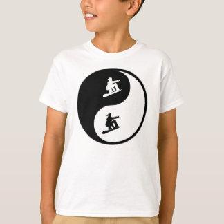 T-shirt Faire du surf des neiges de Yin Yang