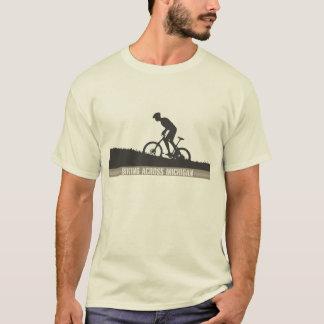 T-shirt Faire du vélo à travers le Michigan