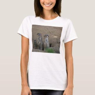T-shirt Famille mignonne de Meerkat disant le bonjour