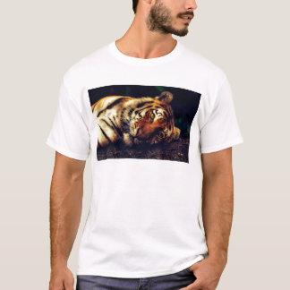 T-shirt Faune animale de tigre reposant le macro plan