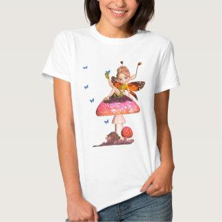 T-shirt féerique de dames mignonnes avec des