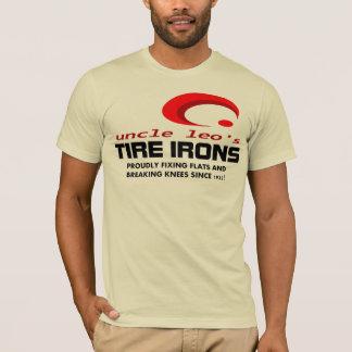 T-shirt Fers de pneu de renommée mondiale d'ONCLE LION