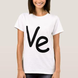 T-shirt Fille étant assortie de chemise de LO VE