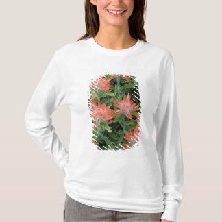 T-shirt Fleurs sauvages de pinceau indien dans les