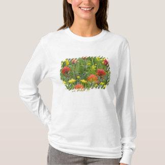 T-shirt Fleurs sauvages de pinceau indien et de