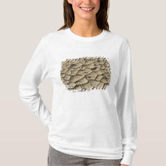 T-shirt Formation criquée de boue dans le plancher de