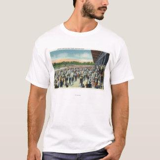 T-shirt Foules à la voie de course de Saratoga et au