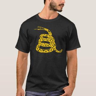 """T-shirt FreeOne Gadsden noir """"ne marchent pas sur moi"""" le"""