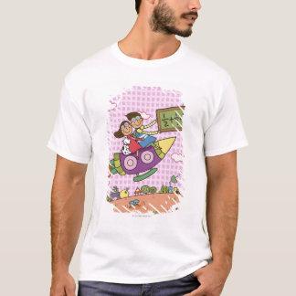 T-shirt Garçon tenant un tableau noir se reposant avec une