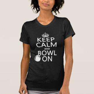 T-shirt Gardez le calme et la cuvette dessus - toutes les