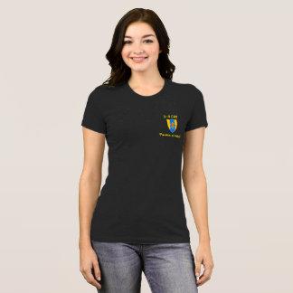 T-shirt Gardez le calme et le CAV sur T des femmes
