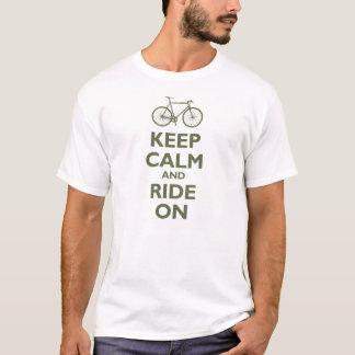 T-shirt Gardez le calme et montez dessus (vélo) - olive